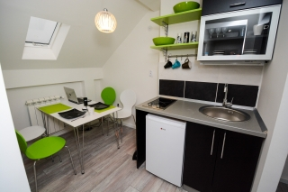 Trosobni apartman, Beograd, Knicaninova