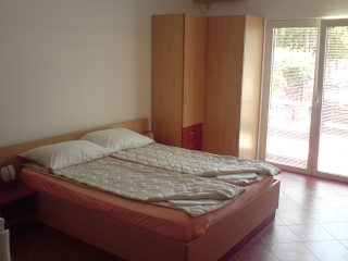 Studio apartment, Petrovac, Ulica IX