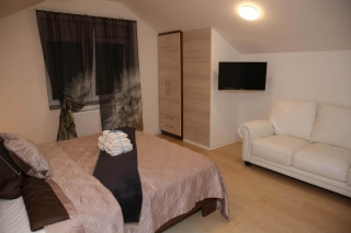 Dvosobni apartman, Vrnjačka banja, Jastrebačka