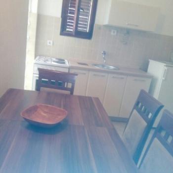 Trosobni apartman, Risan, Pjescina