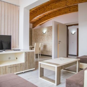 Dvoiposobni apartman, Dobre Vode, Mali sokak